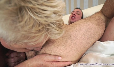 Foreplay loving granny getting drilled after rimming her love