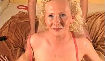 Blonde milf handjob till facial