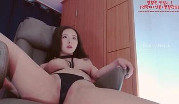 Korean BJ Neat camgirl shows her hot body