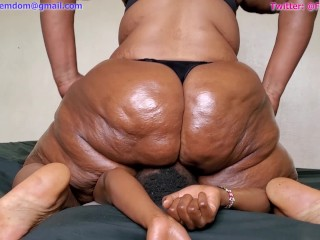 Extreme buttslams and facesitting by BBW Grandma Domino