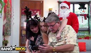 BANGBROS - Blonde And Naughty Santa Christmas Special