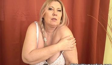 Mature BBW Bobbees will spice up your Xmas this year