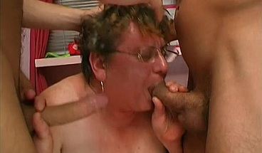 Chubby granny is facialized after FMM fuck