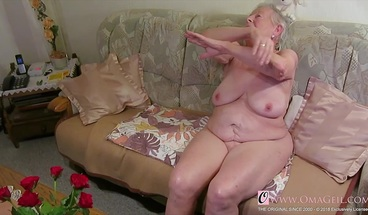 OmaGeil Two old grannies in video compilation