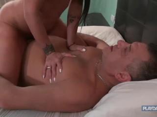 Playdaddy–Daddy fucks young girl