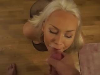 Swedish amateur Maria blowjob and cumshot