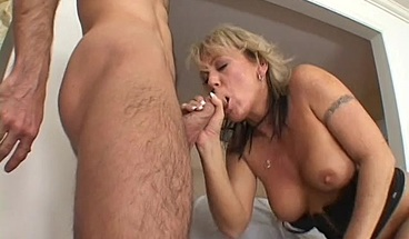 Kinky cougar Chennin Blanc loves a cock in her ass