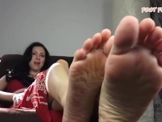 Feet joi (Who is she?)