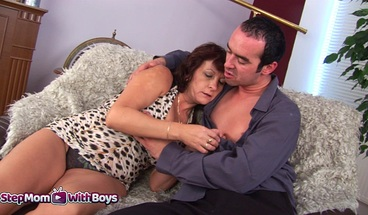 Stepson Giving His Mama The Cock That She Deserves