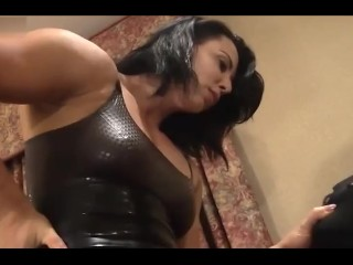 tall strong muscle mistress femdom