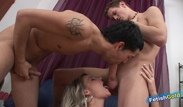 Two bisexual horny guys sharing blonde pussy in hot threesome