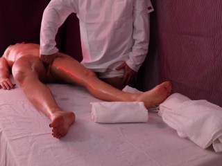 creampie fuck massage therapist makes her squirt and creampies pussy