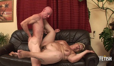 Tattooed blonde BBW rough fucked by her horny husband on sofa