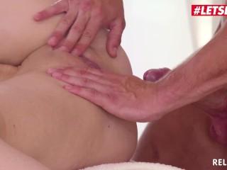 Relaxxxed - Big Ass Ukrainian Slut Kate Sky Fucked Hardcore On the Massage Table