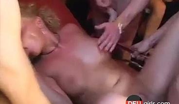 Deutsch gangbang bei Swinger-Club