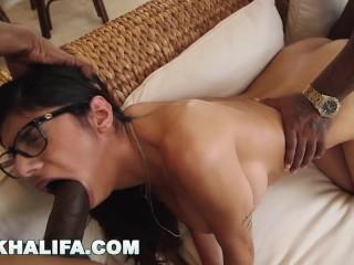 MIA KHALIFA - Spit Roasted Arab Babe With 2 BBCs (Loop)