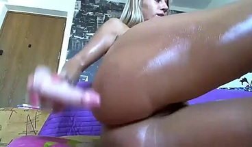 Oiled Up American California Babe Plays