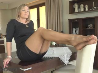 Pantyhose legs and feet tease