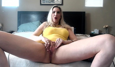 OOps! I SQUIRTED ON MY YELLOW DRESS!