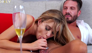 Only Gold Digger - Sexy Haley Reed is a gold miner and she deserves a facial