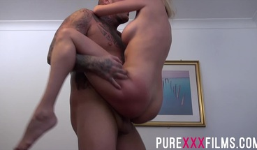 European beauty Amber Jayne getting delicious muff fucked