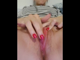 Teen fingering to orgasm