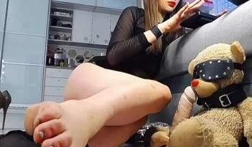 Mistress pov femdom and feet close up.
