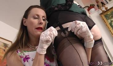 Dick sucking british milf seduces babe into a threesome