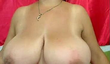 Webcams 2014 - MILF Oils up Huge Tits