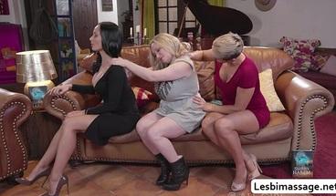 Three lovely MILFs tries threesome oral sex