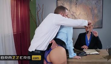 Brazzers - Big Tits at Work - Abigail Mac Scott Nails - Testi