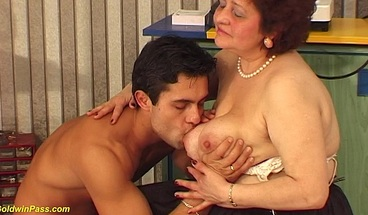 hairy bbw mom wild fucked by her big cock toyboy