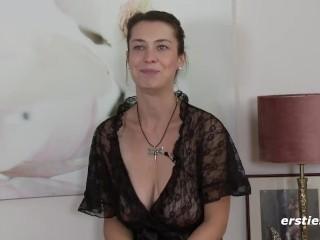 Nackt oder in schwarzer Spitz Freya ist einfach umwerfend