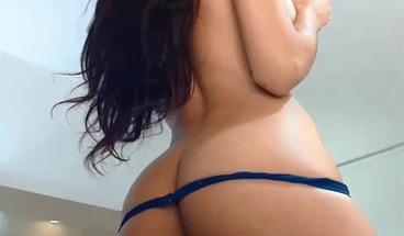 Big booty shemale live show on Cruisingcams com