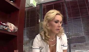 Pretty Brunette Jelena Jensen Licking And Shared Pussy