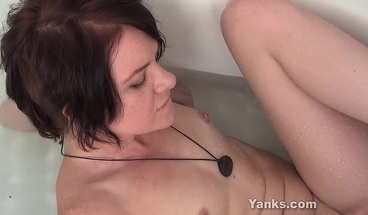 Yanks Zia Rose Water Masturbating And Cumming In The Water